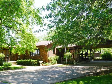 410 South Chicago Avenue Marionville, MO 65705 - Image 1