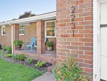 2231 South Oak Grove Avenue Springfield, MO 65804 - Image 1