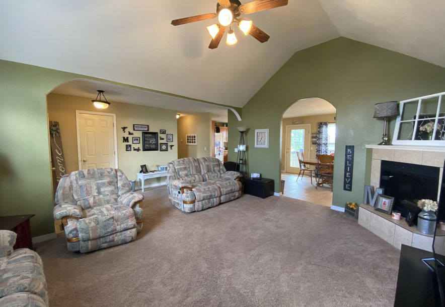 210 East Cypress Street Clever, MO 65631 - Photo 5