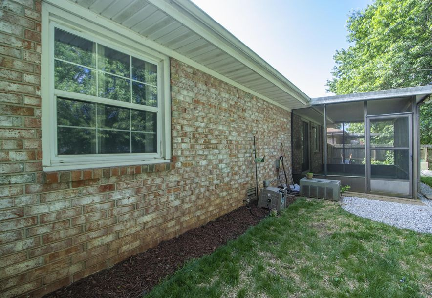 2449 South Kings Avenue Springfield, MO 65807 - Photo 28