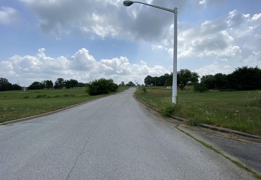632 Larissa Drive Fair Grove, MO 65648 - Photo 4