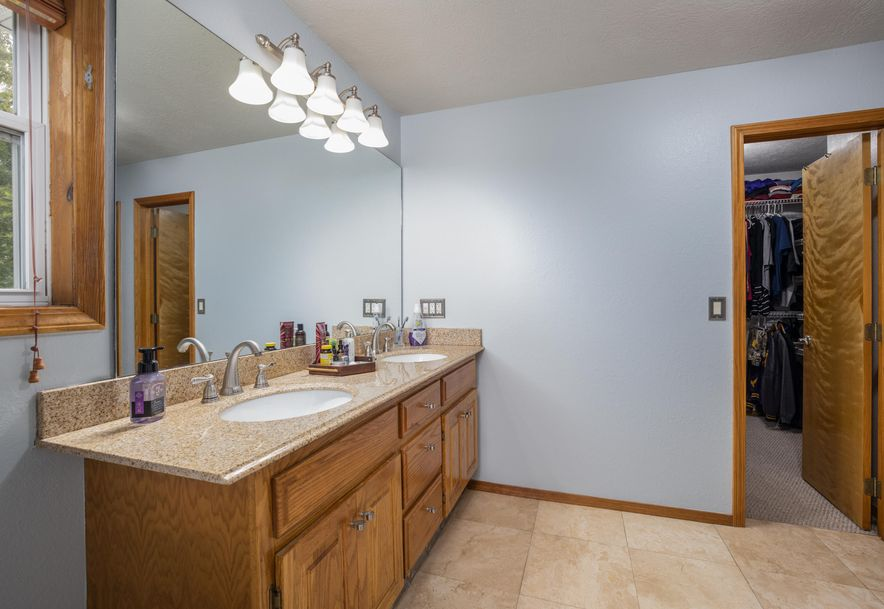 1031 Green Valley Road Clever, MO 65631 - Photo 14