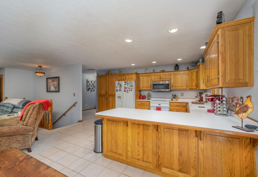 1031 Green Valley Road Clever, MO 65631 - Photo 5