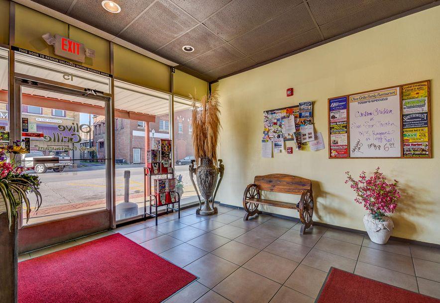 15 East Olive Street Aurora, MO 65605 - Photo 6