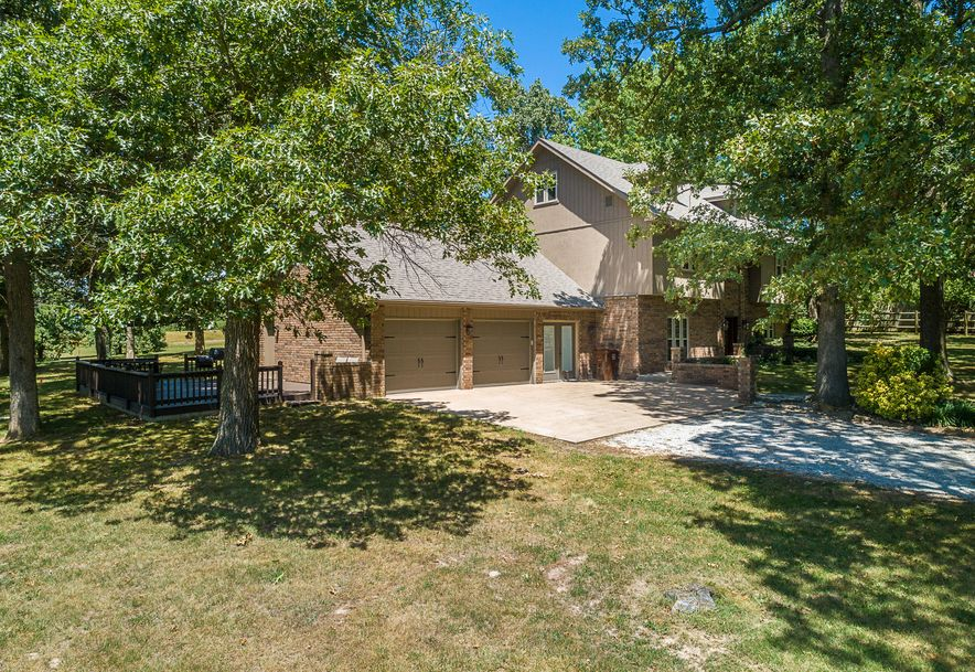 8433 West Veterans Boulevard Clever, MO 65631 - Photo 1