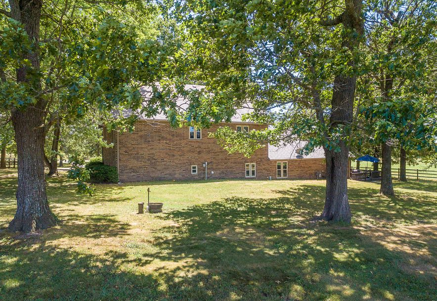 8433 West Veterans Boulevard Clever, MO 65631 - Photo 5