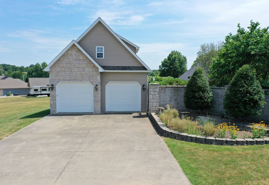 1950 East Meadow Drive Bolivar, MO 65613 - Photo 50