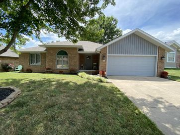 641 South Hayes Court Springfield, MO 65802 - Image 1