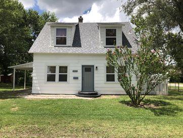 833 Mcnatt Avenue Aurora, MO 65605 - Image 1