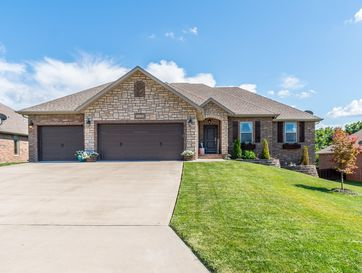 5234 East Wild Horse Drive Springfield, MO 65802 - Image 1