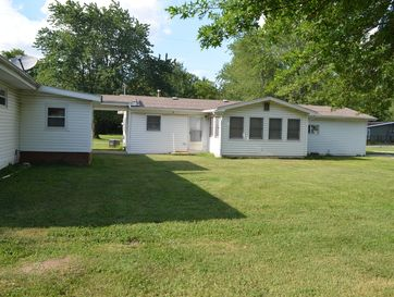 Photo of 3826-3836 South Farm Rd 135