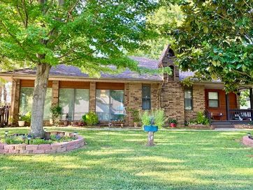 4063 West Collings Street Springfield, MO 65803 - Image 1