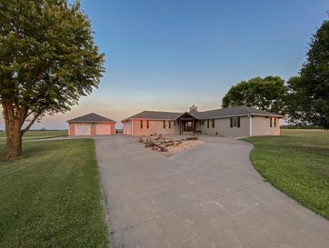 1096 North Prosperity Avenue Joplin, MO 64801 - Image 1