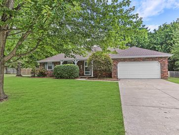 2831 West Sexton Drive Springfield, MO 65810 - Image 1
