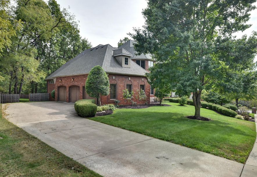 2872 South Forrest Heights Avenue Springfield, MO 65809 - Photo 8
