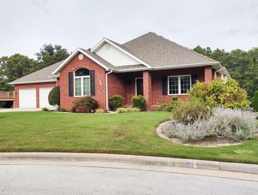 2066 South Emerald Place Springfield, MO 65809 - Image 1