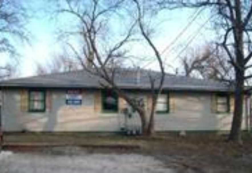 1078 South Main Avenue Springfield, MO 65807 - Photo 23