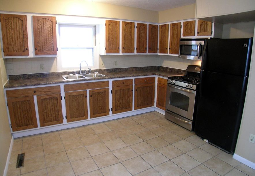 457 West Burford Street Marshfield, MO 65706 - Photo 3