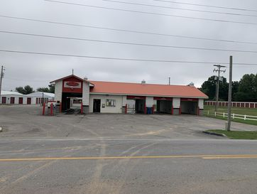 410 North Public Avenue Clever, MO 65631 - Image 1