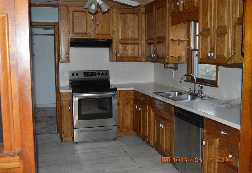 1201 South Jefferson Avenue Aurora, MO 65605 - Photo 5