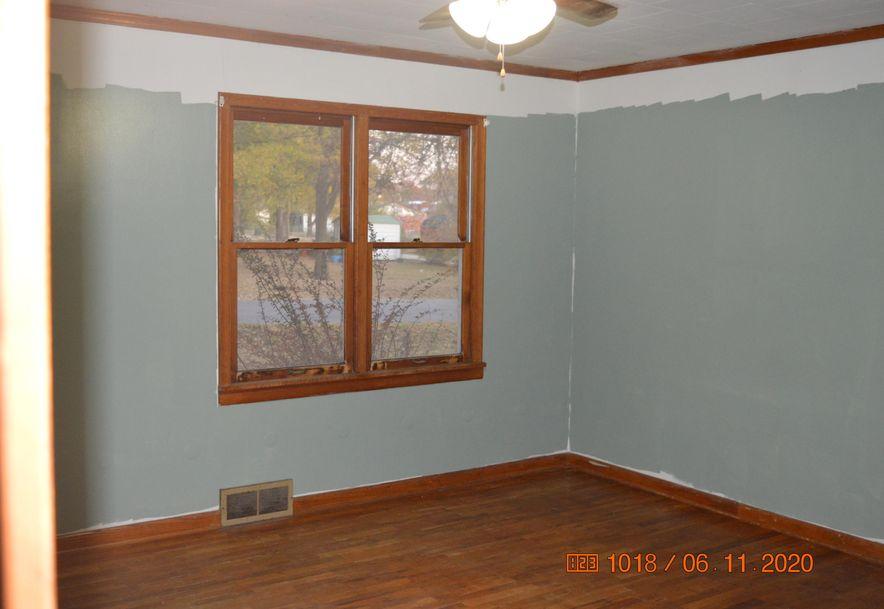 1201 South Jefferson Avenue Aurora, MO 65605 - Photo 10