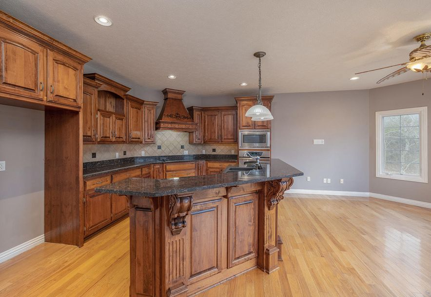 4733 West Woods End Drive Springfield, MO 65803 - Photo 21