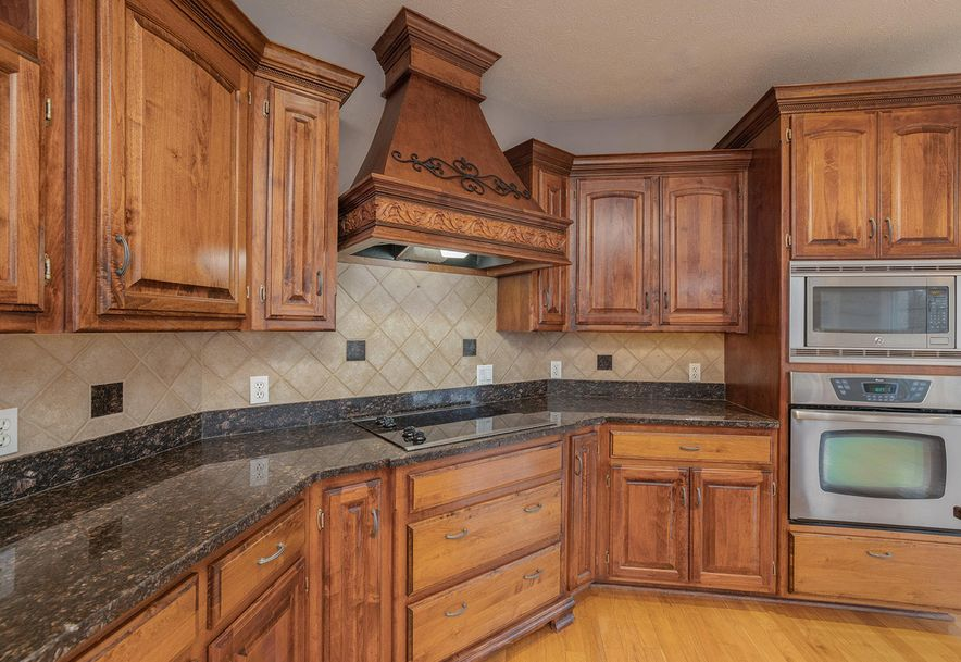 4733 West Woods End Drive Springfield, MO 65803 - Photo 25