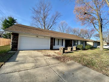 3841 South Queens Court Springfield, MO 65807 - Image 1