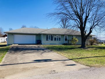 510 South Chestnut Street Stockton, MO 65785 - Image 1