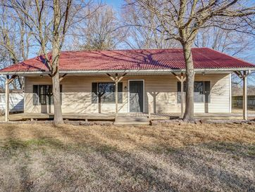 604 East Collier Street Marionville, MO 65705 - Image 1