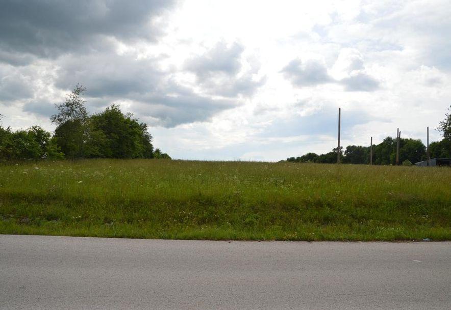 4525 South 107th Road Bolivar, MO 65613 - Photo 2