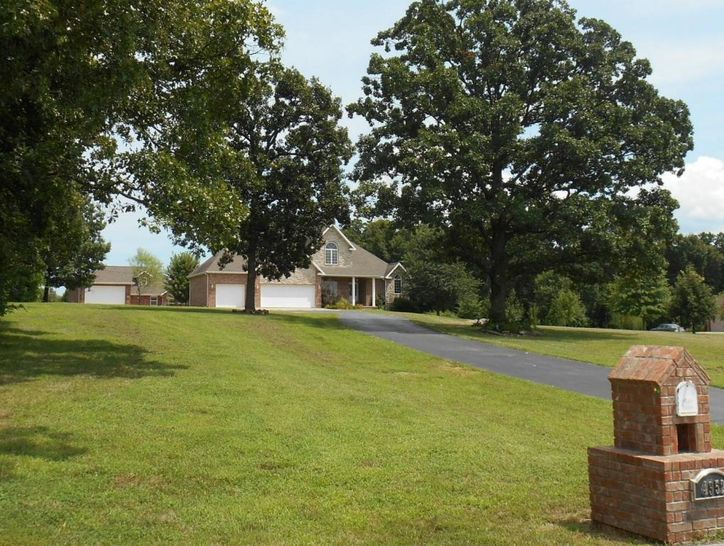 Photo of 4352 North Raintree Drive