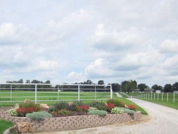 43 Pony Louisburg, MO 65685 - Image 1