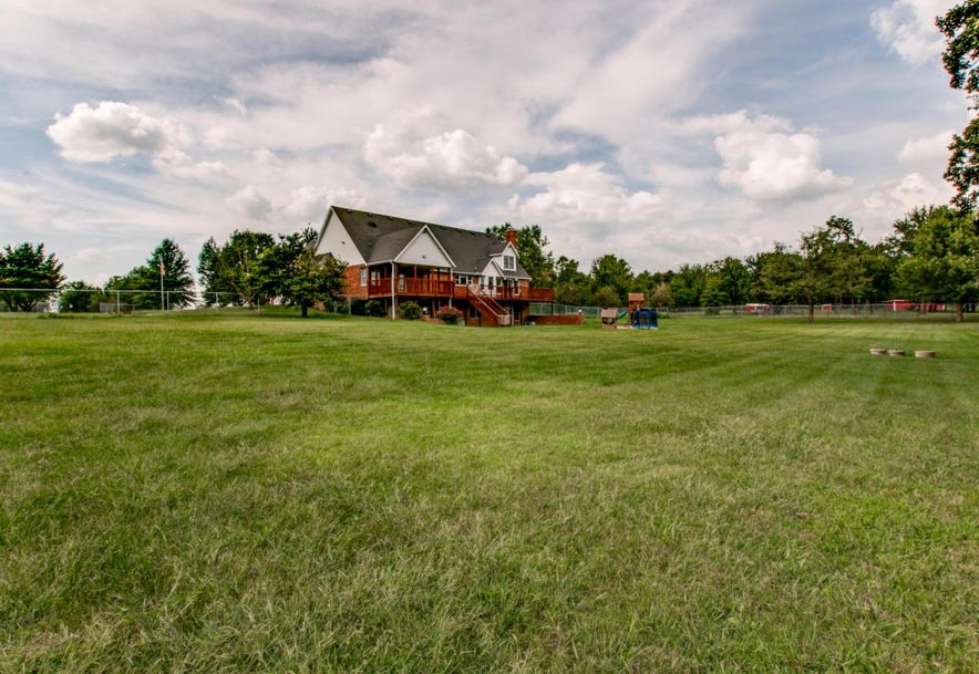 2176 Farm Road 1063 Monett, MO 65708 - Photo 10