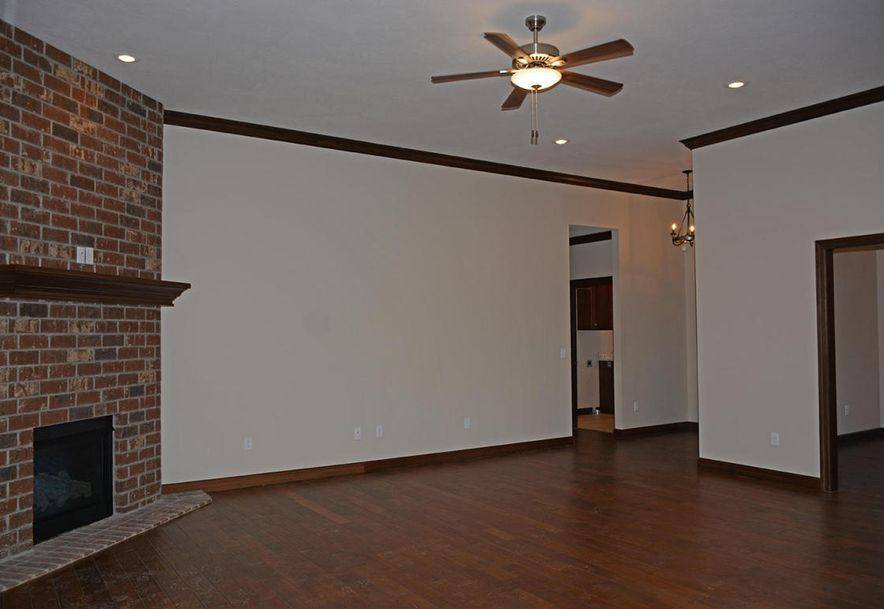 3810 East Cherry #14 Springfield, MO 65804 - Photo 5