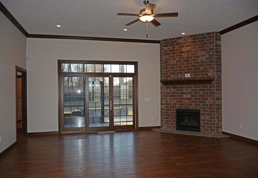 3810 East Cherry #14 Springfield, MO 65804 - Photo 7