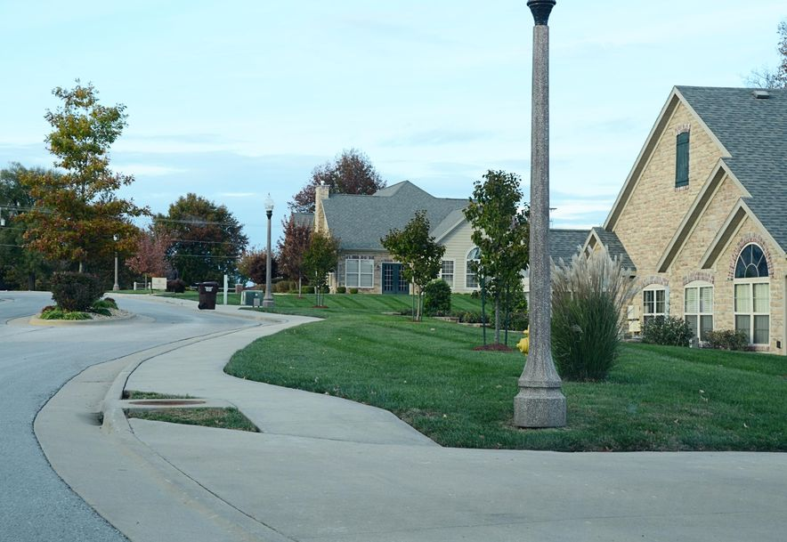 3810 East Cherry St. #30 Springfield, MO 65809 - Photo 2