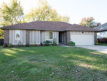 653 South Sparks Avenue Springfield, MO 65802 - Image 1