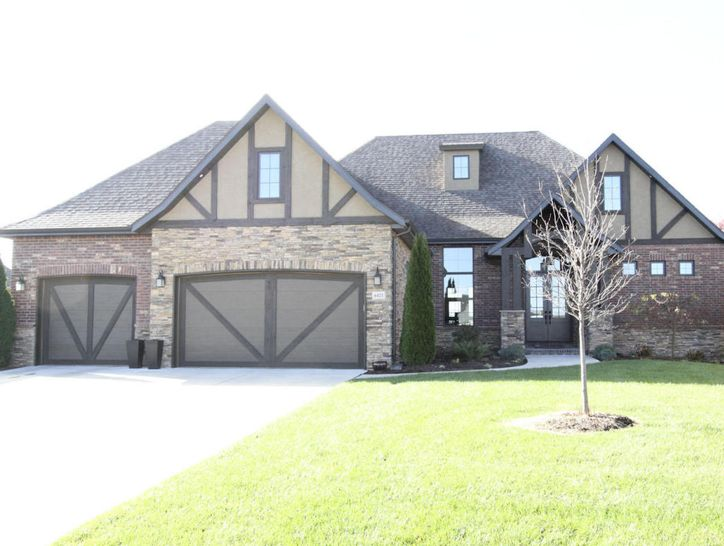 Photo of 6421 South Valley Brook Court