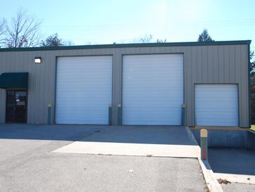 123 Industrial Park Drive C Hollister, MO 65672 - Image