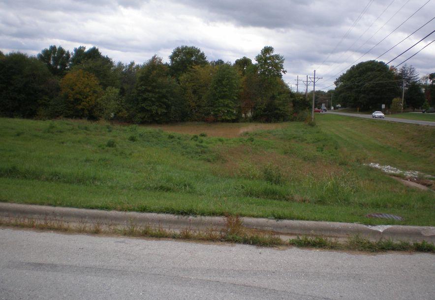 1701 South 15th Avenue Ozark, MO 65721 - Photo 2