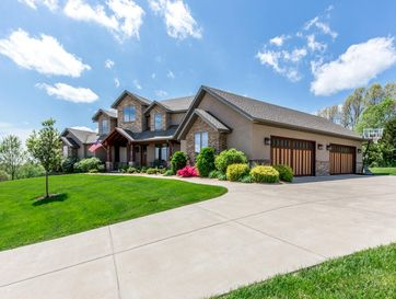 4102 East Eagles View Springfield, MO 65809 - Image 1