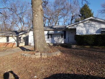 1926 South Broadway Avenue Springfield, MO 65807 - Image 1