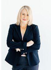 Photo of Nancy Hoedl